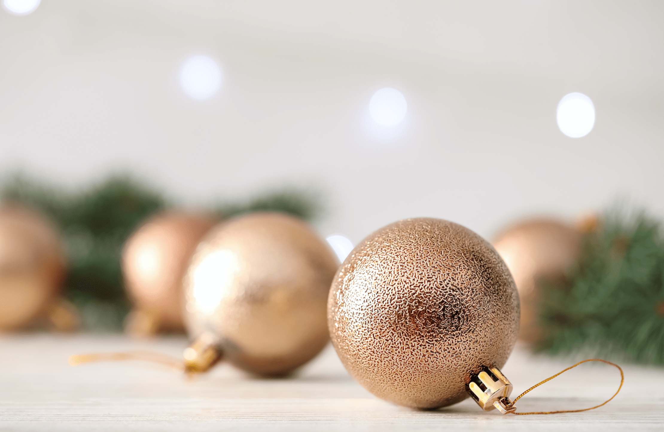 gold holiday ball decorations